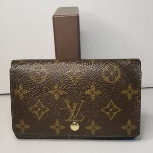 Authentic Louis Vuitton Zipper Bifold Wallet